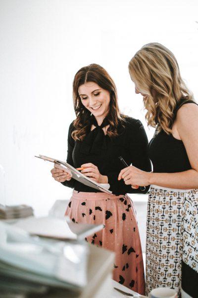 Die Wedding Planner School bietet Online Kurse an, um erfolgreicher Hochzeitsplaner zu werden.